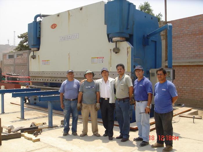 peru 1000t hydraulic press brake customer